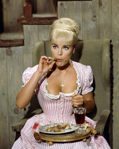 This is an image of Prints & Posters of Elke Sommer 298744