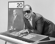 This is an image of Prints & Posters of Stevie Wonder 103490