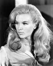 This is an image of Prints & Posters of Linda Evans 103520