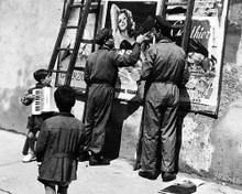 This is an image of Prints & Posters of Bicycle Thieves 100714