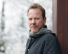 This is an image of Prints & Posters of Kiefer Sutherland 299791