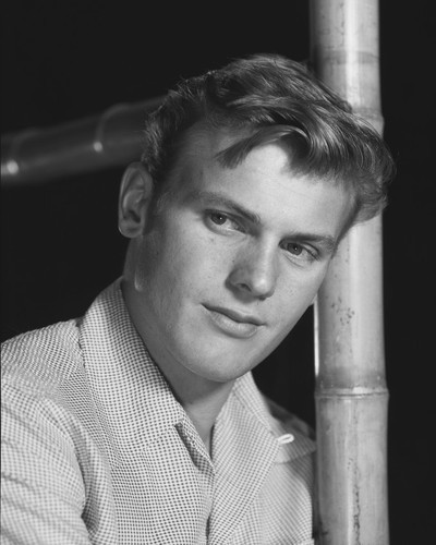 This is an image of Prints & Posters of Tab Hunter 103865