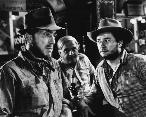 This is an image of Prints & Posters of Treasure of Sierra Madre 103909