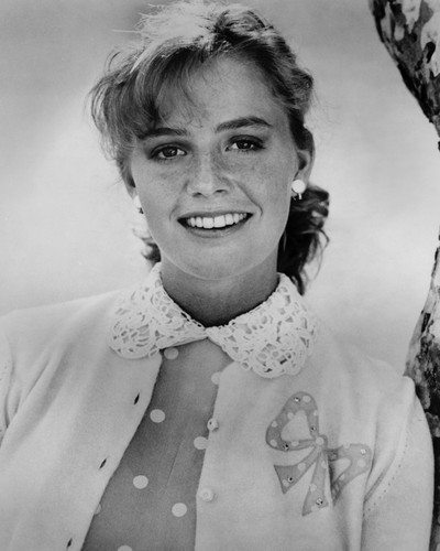 This is an image of Prints & Posters of Elisabeth Shue 103953