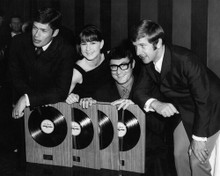 This is an image of Prints & Posters of The Seekers 104075