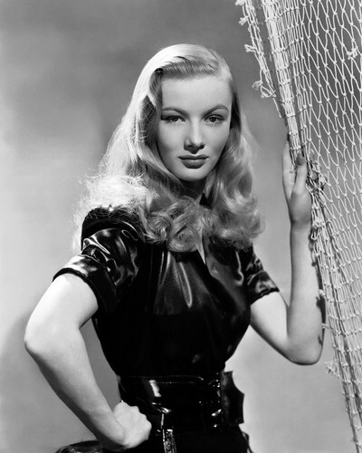 This is an image of Prints & Posters of Veronica Lake 104289