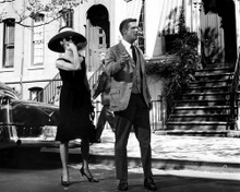This is an image of Prints & Posters of Breakfast at Tiffany's 104295