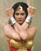 This is an image of Prints & Posters of Lynda Carter 202057