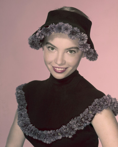 This is an image of Prints & Posters of Leslie Caron 202292