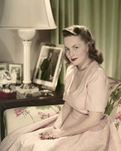 This is an image of Prints & Posters of Olivia De Havilland 202303