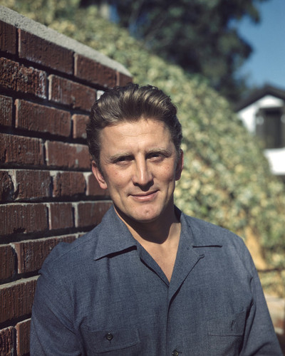 This is an image of Prints & Posters of Kirk Douglas 202304