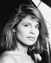 This is an image of 16225 Linda Hamilton Photograph & Poster