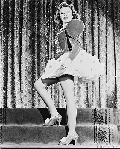 This is an image of 19141 Judy Garland Photograph & Poster