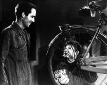 This is an image of Photograph & Poster of Bicycle Thieves 100710