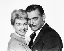This is an image of Photograph & Poster of Clark Gable and Doris Day 101827