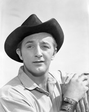 This is an image of Photograph & Poster of Robert Mitchum 102212
