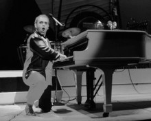 This is an image of Photograph & Poster of Elton John 102394