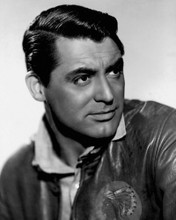 This is an image of Photograph & Poster of Cary Grant 102625