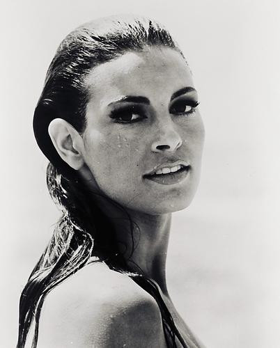 This is an image of 160978 Raquel Welch Photograph & Poster