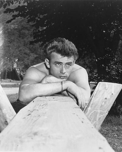 This is an image of 164223 James Dean Photograph & Poster