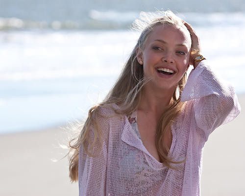 This is an image of 280870 Amanda Seyfried Photograph & Poster