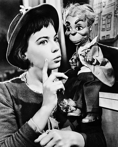 This is an image of 167581 Leslie Caron Photograph & Poster