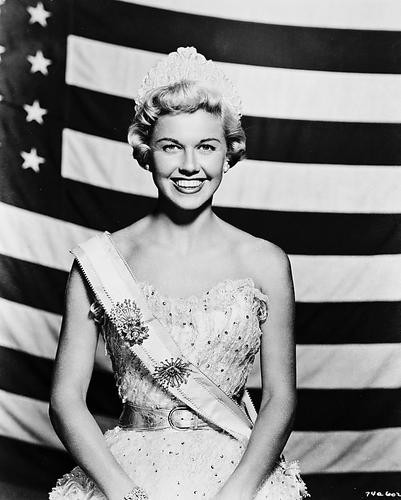 This is an image of 170358 Doris Day Photograph & Poster