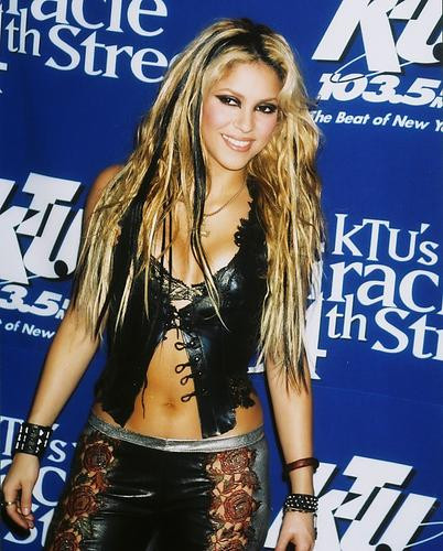 This is an image of 250410 Shakira Photograph & Poster