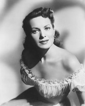 This is an image of 174913 Maureen O'Hara Photograph & Poster