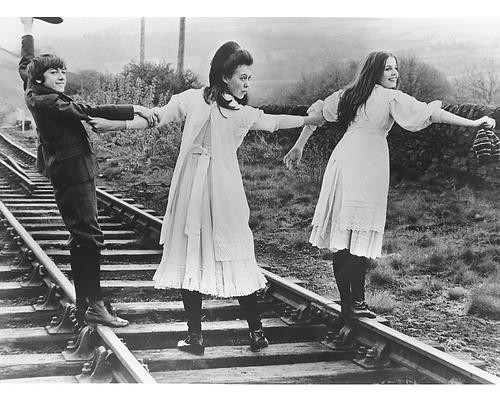 This is an image of 173246 The Railway Children Photograph & Poster