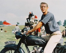 This is an image of 235376 Steve McQueen Photograph & Poster