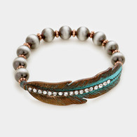 Navajo Pearl & Feather stretch bracelet
