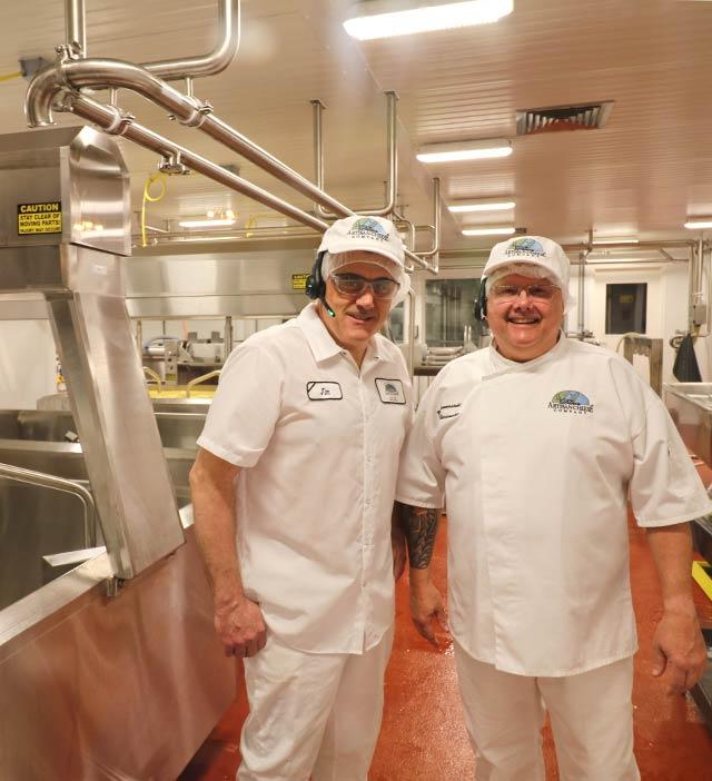 Wisconsin Master Cheesemakers Making Door County Cheese