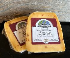 Our original Door County recipe for our interpretation of delicious and creamy Gouda, we add the spice of chipotle to both enhance and create a blend guaranteed to please the palates of our spice happy customer. Not overwhelming but not too subtle, it is the perfect balance that allows the flavor of our gouda and the after flavor of the chipotle to make the perfect palate pleaser.