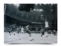MICHAEL JORDAN Signed 1982 Championship Shot 40x30 Photo.