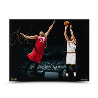 KEVIN LOVE Signed Corner Jumper Photo UDA.