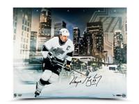 WAYNE GRETZKY Autographed LA King 16 x 20 Photo UDA LE 99