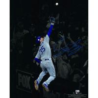 "CODY BELLINGER Autographed Los Angeles Dodgers ""The Catch"" 16 x 20 Photograph FANATICS"