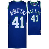 DIRK NOWITZKI Autographed Dallas Mavericks Throwback 1998-99 Jersey FANATICS