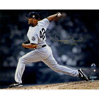 "MARIANO RIVERA New York Yankees Autographed ""HOF 2019"" 16"" x 20"" 'Pitching' Photograph STEINER"