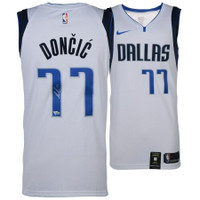 LUKA DONCIC Autographed Dallas Mavericks Nike White Swingman Jersey FANATICS
