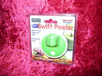 SWIFT PEELER MINI Slide Kitchen Utensil on Finger Peel Vegetables z