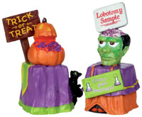 Lemax 24465 TRICK OR TREAT CONTAINER Spooky Town Figurine Retired Halloween bcg