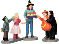 Lemax 62424 TASTY TREATS Set of 3 Spooky Town Figurine Halloween Decor Figure bcg
