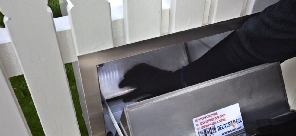 Large letterbox secure