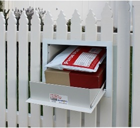 Picket fence letterbox powder coat and stainless steel.jpg