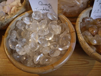 Clear quartz tumblestones (5278)