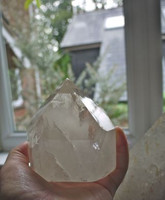 Clear quartz polished point (1442329094)