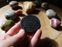 Shungite Flower of Life disc (112773)