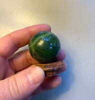 Jade sphere (115756)